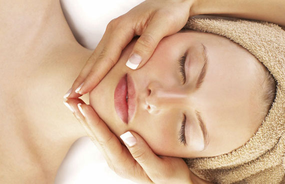 Facial Skincare Treatment at natural Beauty Spa